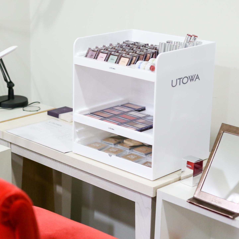 ファンデーションやアイカラーもウトワの人気商品。他にde la Rose(ドゥ ラ ローズ)、UTOCO(ウトコ)、GLASMA(グラスマ)などのラインがある。