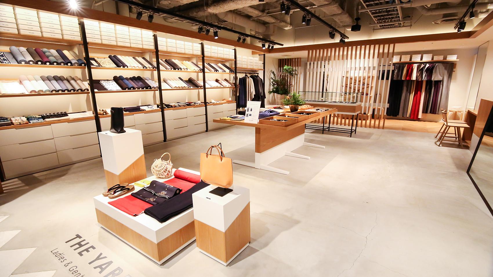 店舗のデザインもシンプルでモダン。