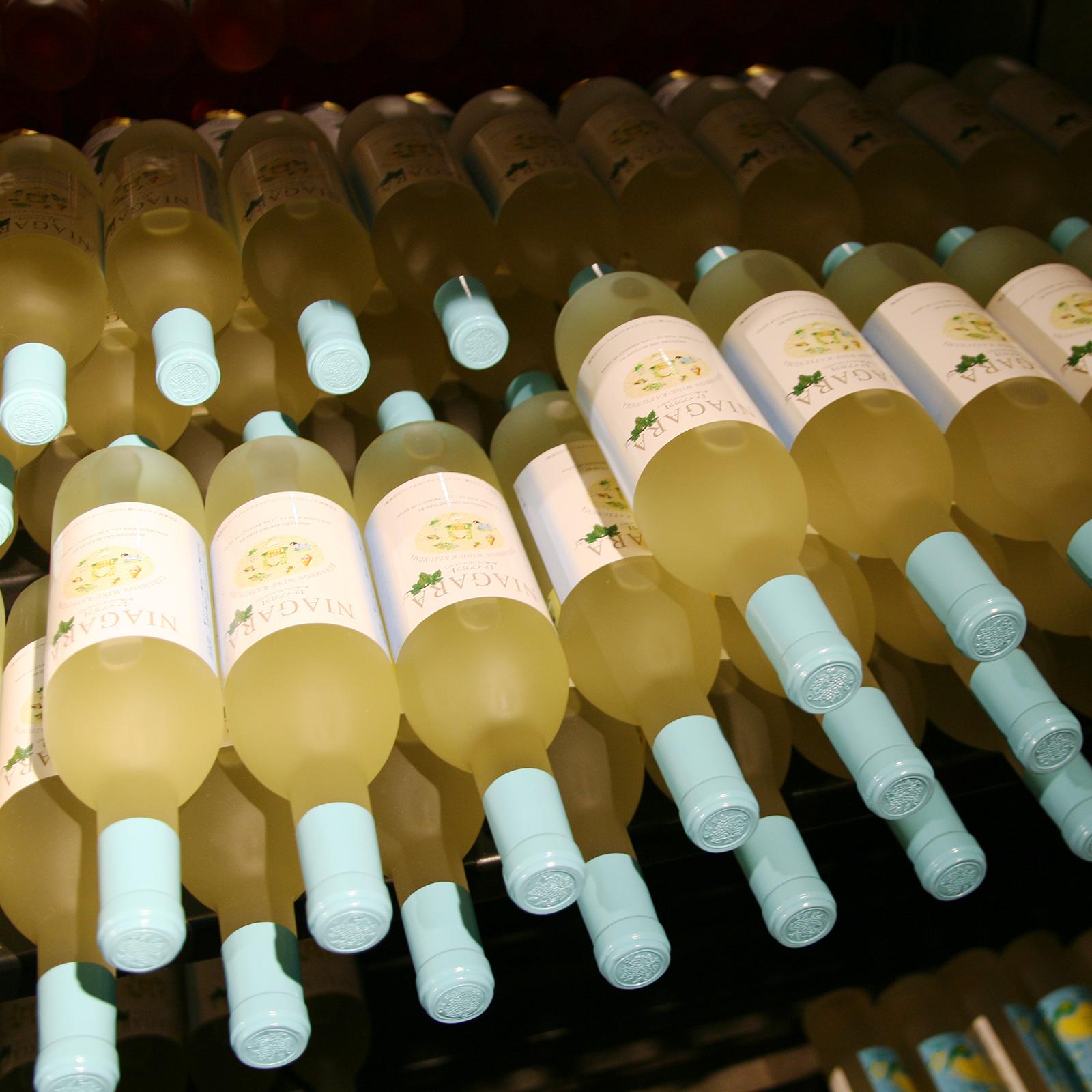最近は女性客が目立って増えており、人気の集中するワインはすぐに売り切れてしまうとか。在庫の確保が大変そうだ。