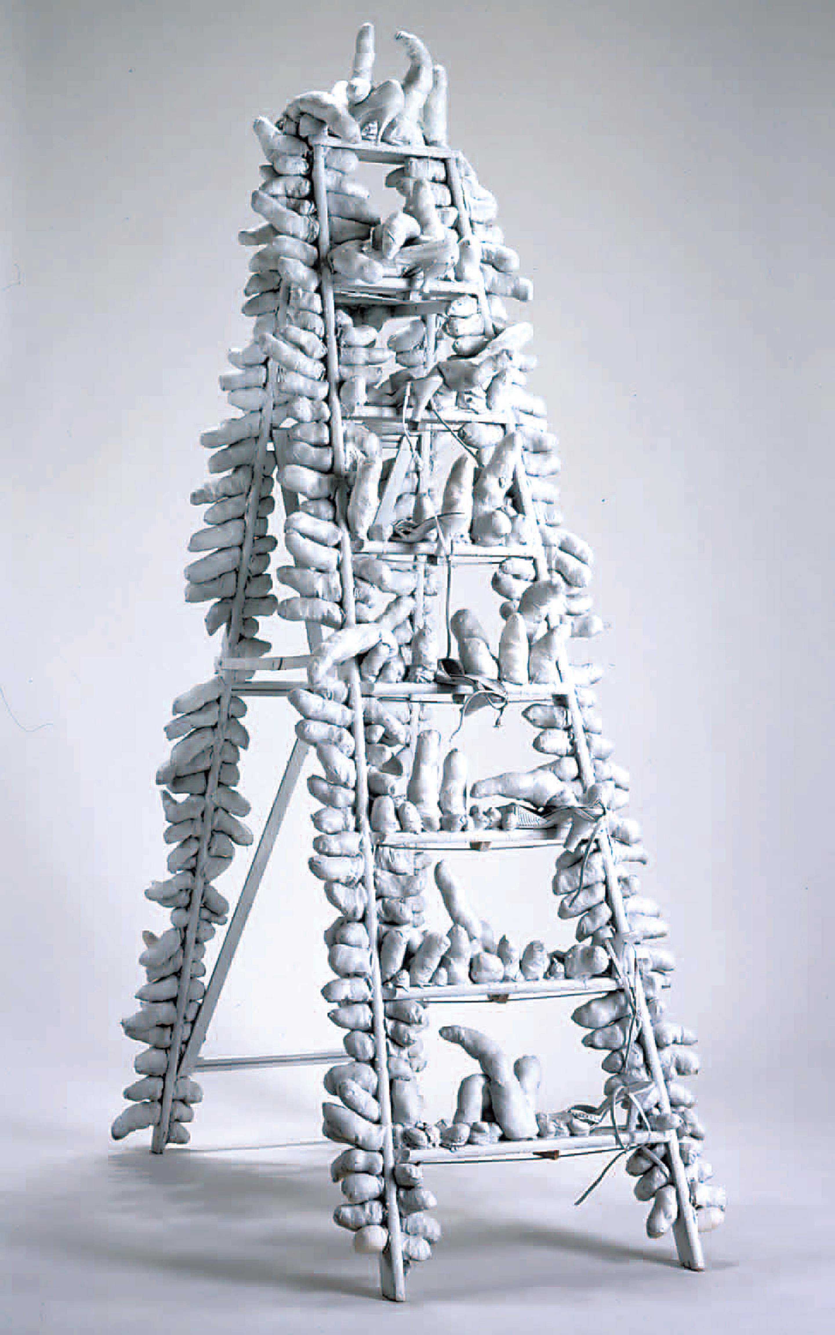 「トラヴェリング・ライフ」京都国立近代美術館 ©YAYOI KUSAMA 撮影:上野則宏